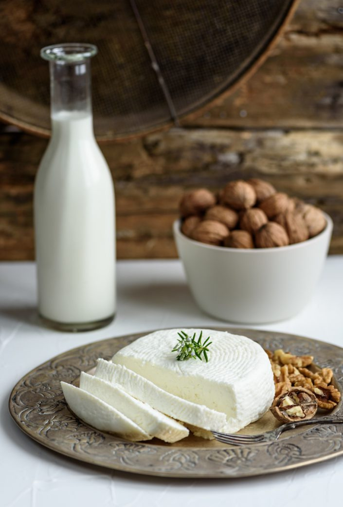 Anthotiro with milk and walnuts