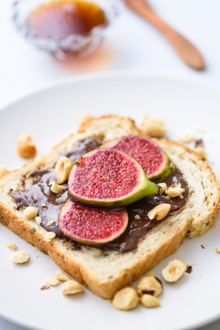 bread with figs and chocolate
